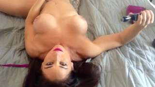 HOT NAKED MILF VAPES AND PLAYS WITH PUSSY