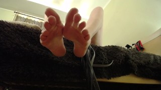 Lick my feet loser, your place on the floor with my feet on your face!