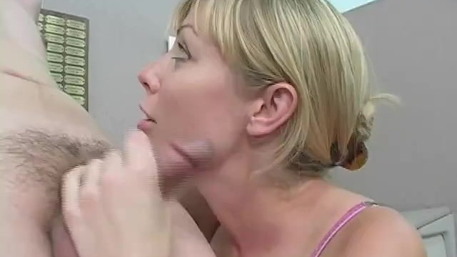 Euro Office Chic With Foot Fetish Gets Her Feet Worshiped And Sucked A Big Cock 13