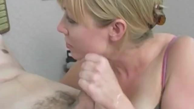 Euro Office Chic With Foot Fetish Gets Her Feet Worshiped And Sucked A Big Cock 27