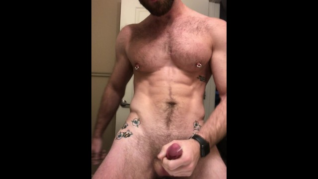 Tatted jock gets off on his own sweaty pits after the gym