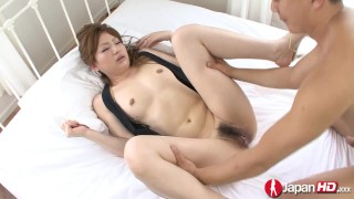 Japanese mom getting pussy cum filled
