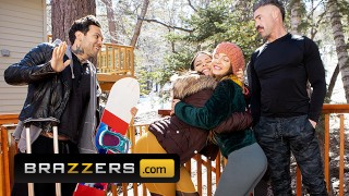 brazzers – big titted babe abigail mac penetrated hard by small hands in the snow – teen porn