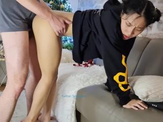 June Liu 刘玥 / SpicyGum – Chinese Teen Blowing & Riding a Cute Geek's Dick / Amateur