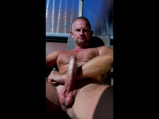 Hairy beefy muscle daddy...
