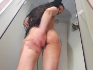 I take a shower and show hot my body