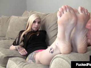 Tattooed Slut Sierra Cure Has Feet Worshiped Sucked & Fucked