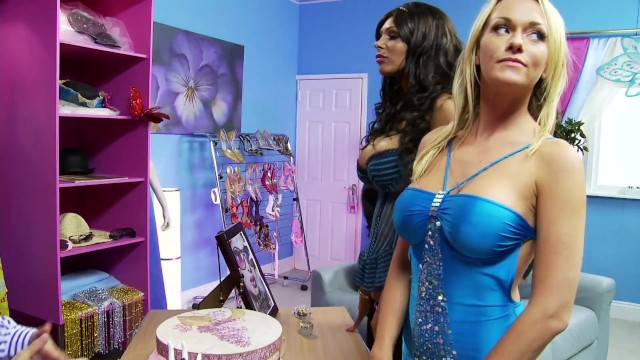 Orgy at the shop: bg sales for horny milfs 19