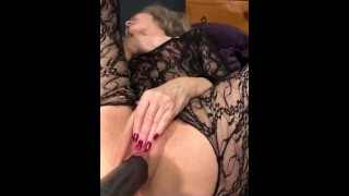 Loud Hot Mature MILF Is Pounded Into Ecstasy With Extreme Dildo-SEXY