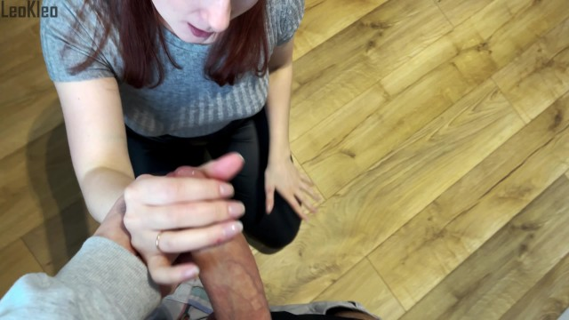 Street pickup: Girl gives a blowjob and fucks for an iPhone. KleoModel 2