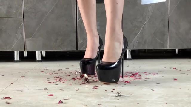 Big Ass;Babe;Role Play;Feet;Exclusive;Verified Amateurs;Solo Female high-heels, high-heel-fetish, crush-fetish, ball-crush, feet, feet-worship, feet-footjob, foot-fetish, foot-foot, christmas, new-years-eve, new-years, happy-new-year, happy-new-year-2021
