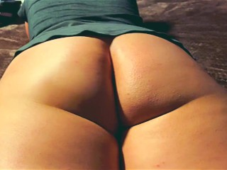 Big Juicy Portuguese booty shaking to the beat