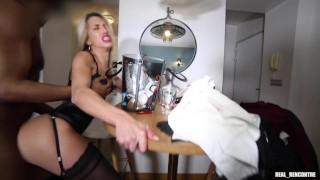 La nympho française Megane Lopez trompe son mec avec un inconnu rencontré dans une gare !!!