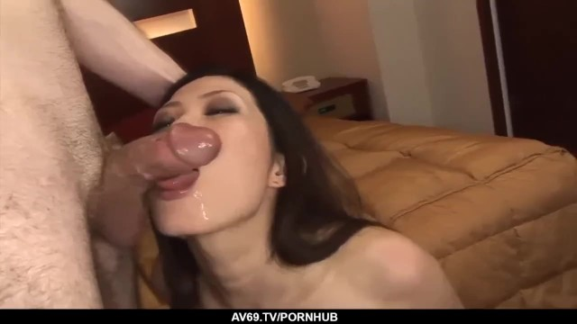 Yui Komine strong encounter with a big cock 16