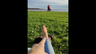 French girl feet (Twitter : Domina_clara)