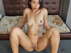 Tuktukpatrol Meat-pole Pinay Spinner Has Gifts