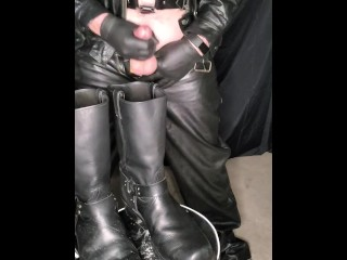 Leather gimp cums on biker boots and licks...