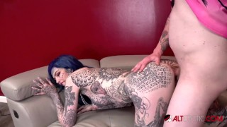 Amber Luke makes a trip to the casting couch