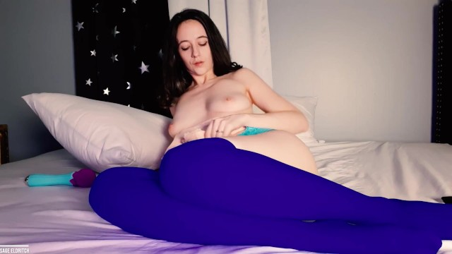 Making Herself Cum with a Vibrator 19