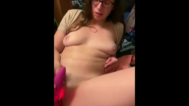 Quivering orgasm on fuck machine with vibrating clit sucker 8