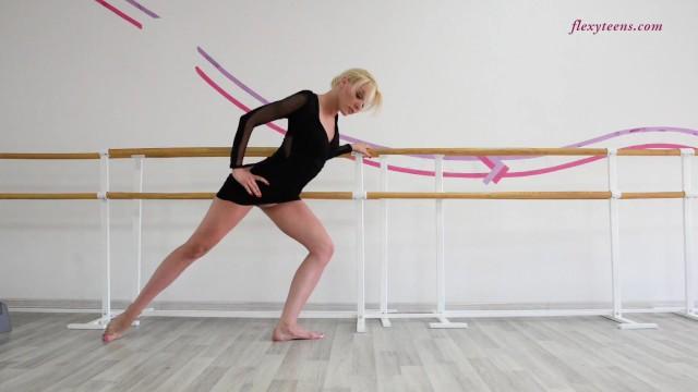 Anna Sigarga incredible Russian gymnast 20