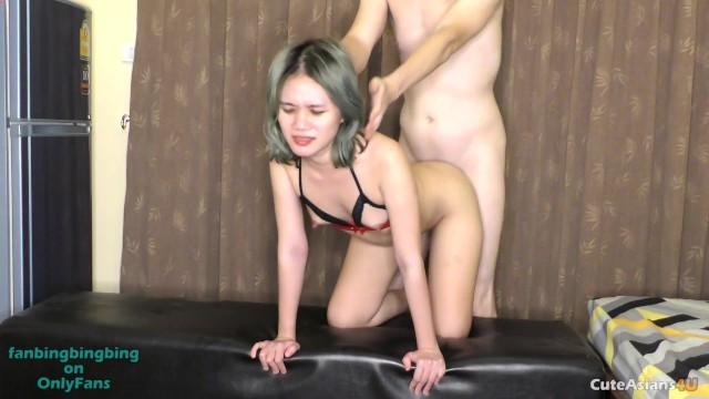 busty milf natural tits