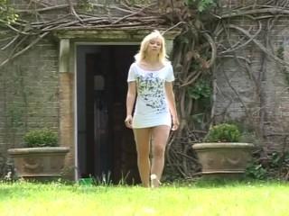 Karlie seduces the gardener pascal...