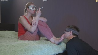 Foot Worship Foot Licking Spitting Sext Girl the size of footwear is (EUR 40) (US9) Height 178
