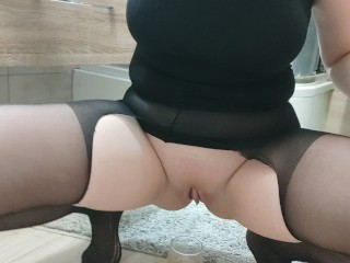 Sexy Babe Pissing To Glass