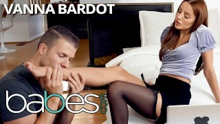 Babes - Sexy brunette Vanna Bardot is so stressed with working from home, untill bf pounds the stres