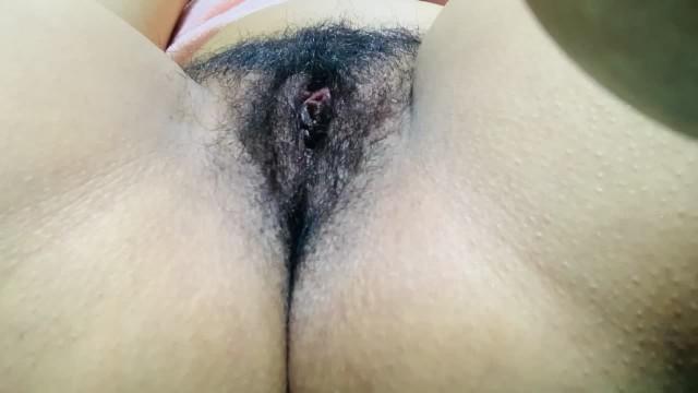 I watch porn and I cum so hard wet pussy dripping - جبتو حتى طاحلي التلفون 3