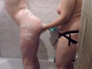 Husband shower full 7 min link in comm...