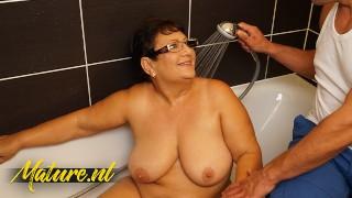 Mature Shower Masturbation