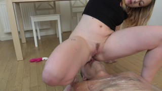I riding my pussy on his face to orgasm!