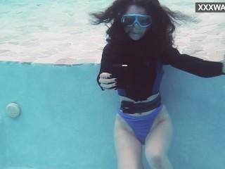 Watch emi serene cum underwater...