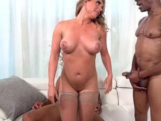 Kayley gunner wants threesome...