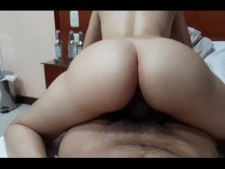 Perfect bubblebutt girl fucking pussy deep hard close...