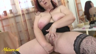 Mature Queen Mom Shows Off Her Huge Natural Tits Especially For You