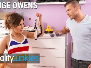 Reality Junkies - Lil stepsister Paige Owens has a bad side