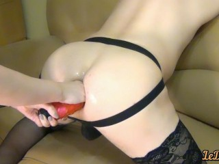 Le inserted full 25 cm dildo in Di's ass and made deep fisting sex wife home