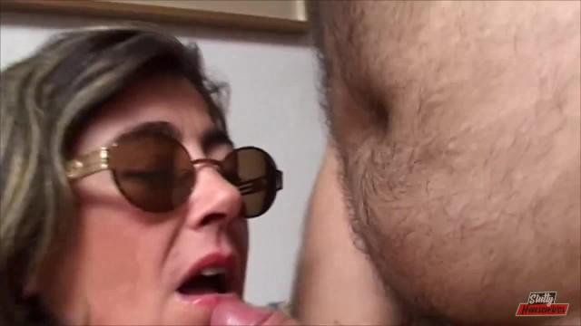 Amateur;Big Ass;Brunette;Blowjob;Hardcore;Masturbation;Reality;Italian sluttyhousewives, brunette, amatoriale-italiano, donna-matura, tette-naturali, realtà-virtuale, casalinga, pompino, masturbation, butt, masturbate