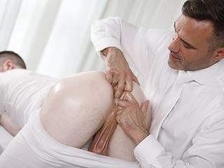 President manuel skye gives sensual massage...