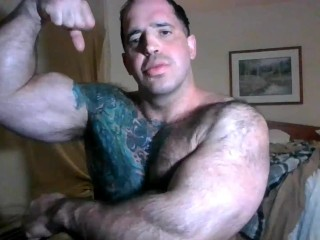Showing my big muscle bodybuilder muscle worship...