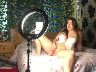 Elf masturbating and cumming for the camera. Female orgasm.