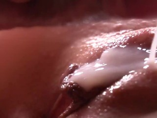 Extremely close-up pussy fucking