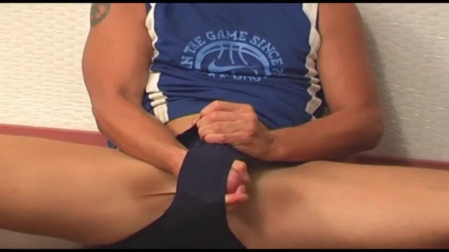 Australian Surfer Dude Gets Off Bashing, Squeezing And Torturing His Cum Filled Balls