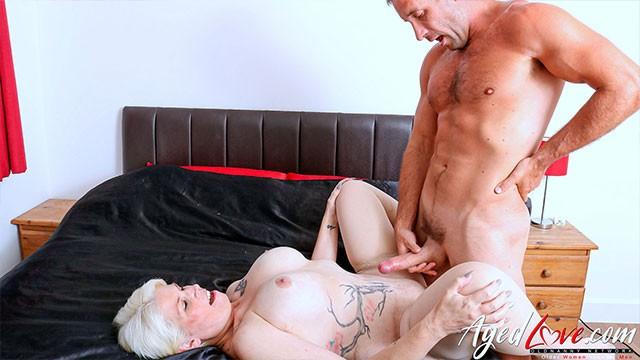 Sex matur Grandmamma Movies