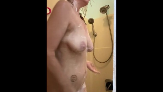 Khaleesikym caught in the shower by the perv cam 44