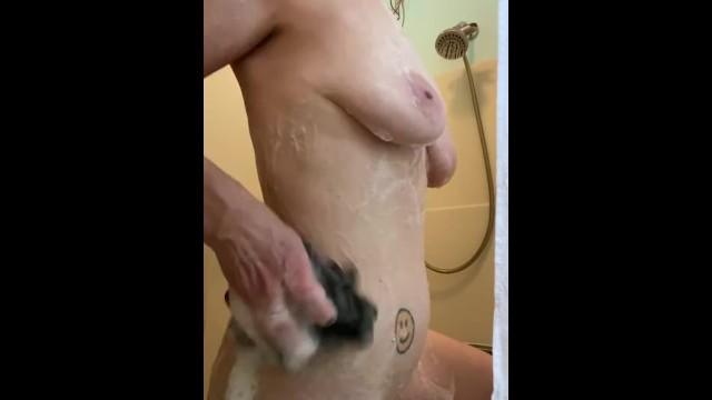 Khaleesikym caught in the shower by the perv cam 6