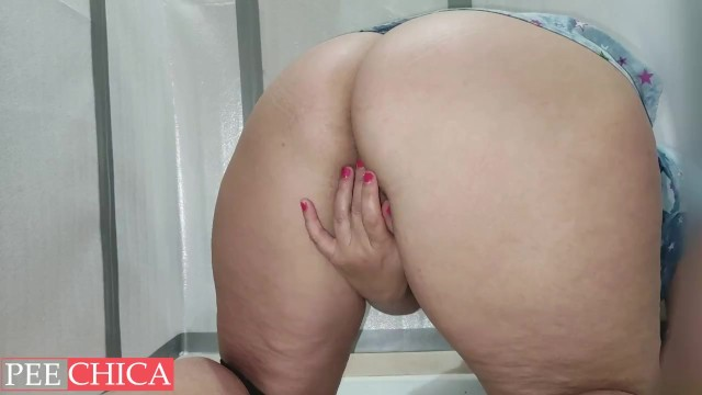 Extra wet pussy and pee 10
